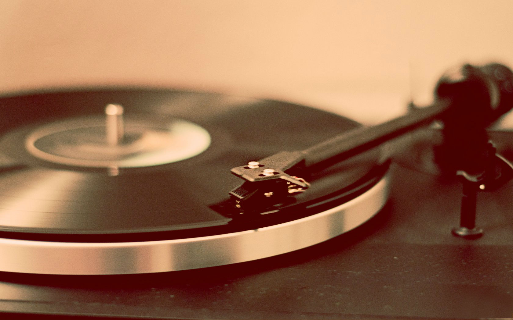 turntable_record_player-wide