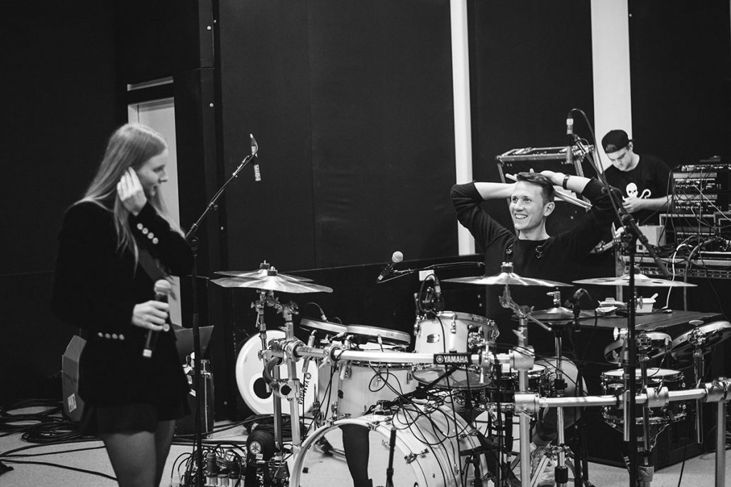 Peking Duk rehearsal with Joel Farland / Vera Blue