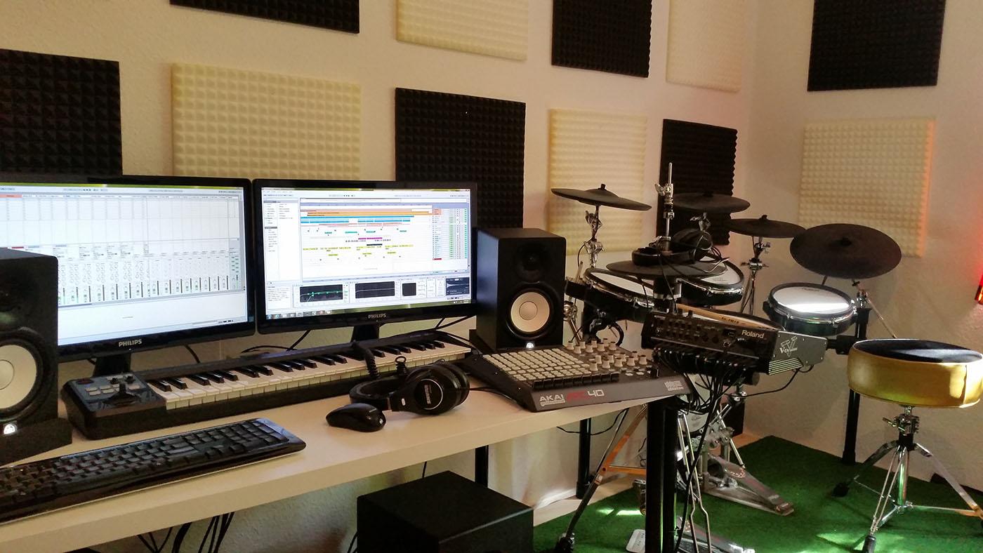 Victor Y / Bass To Pain Converter's Studio in Berlin
